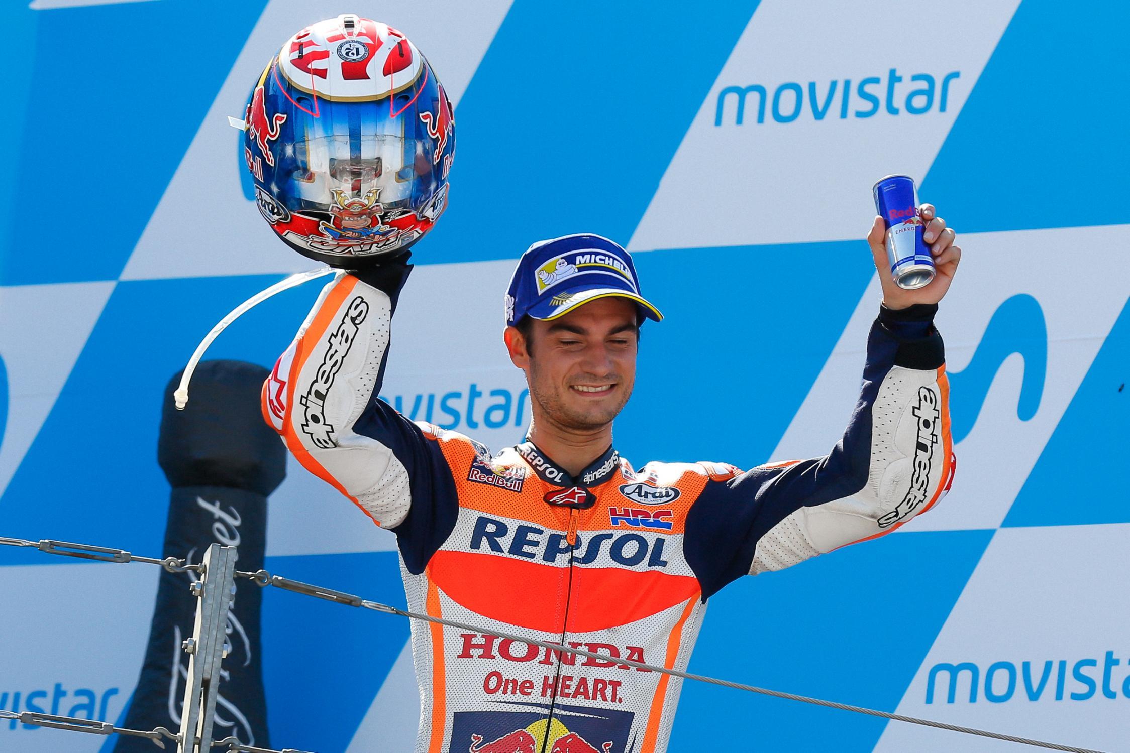 MOTO GP 2019 COMPÉTITIONS - Page 3 Dani-pedrosa-aragon-podium-motogp-2017