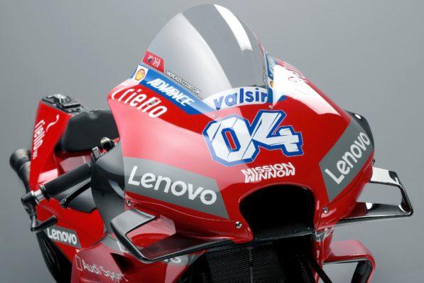 MOTO GP 2019 COMPÉTITIONS - Page 4 Andrea-dovizioso-ducati-gp19-presentation-2-597x398