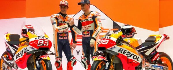 MOTO GP 2019 COMPÉTITIONS - Page 4 Marc-marquez-jorge-lorenzo-repsol-honda-presentation-2019-bike-600x243