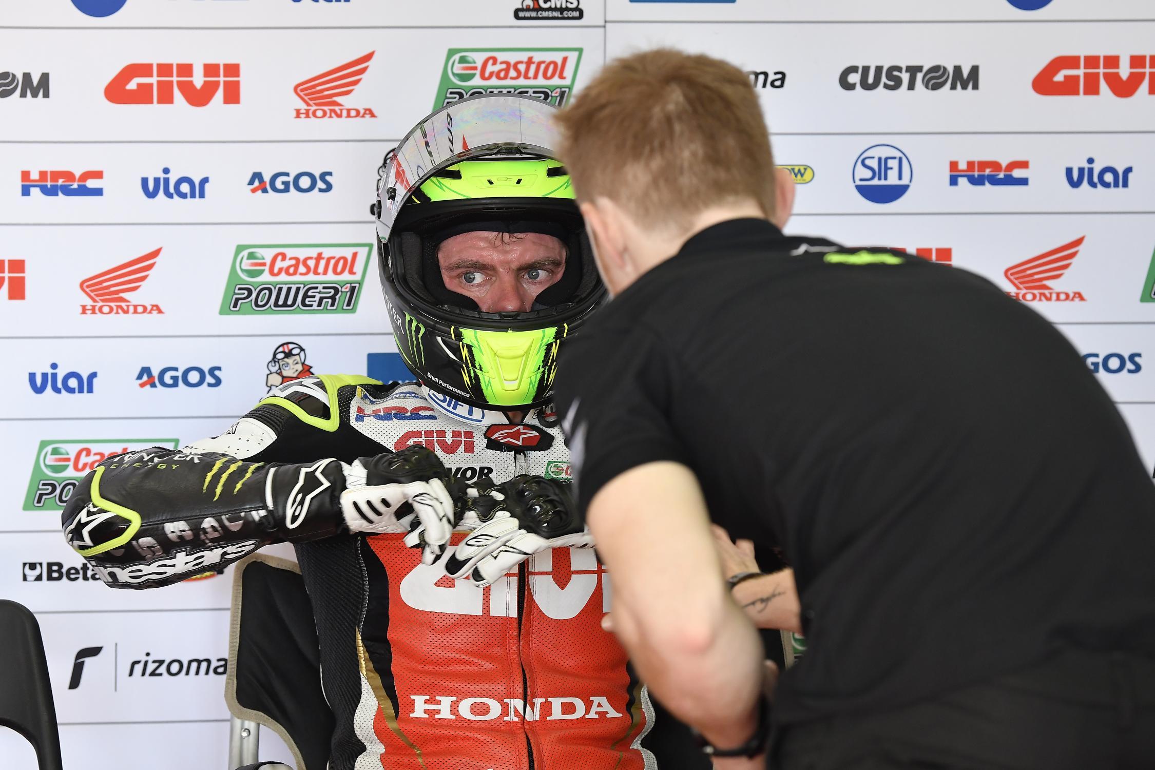 MOTO GP TESTS 2019 - Page 2 Cal-crutchlow-sepang-test-motogp-2019-box