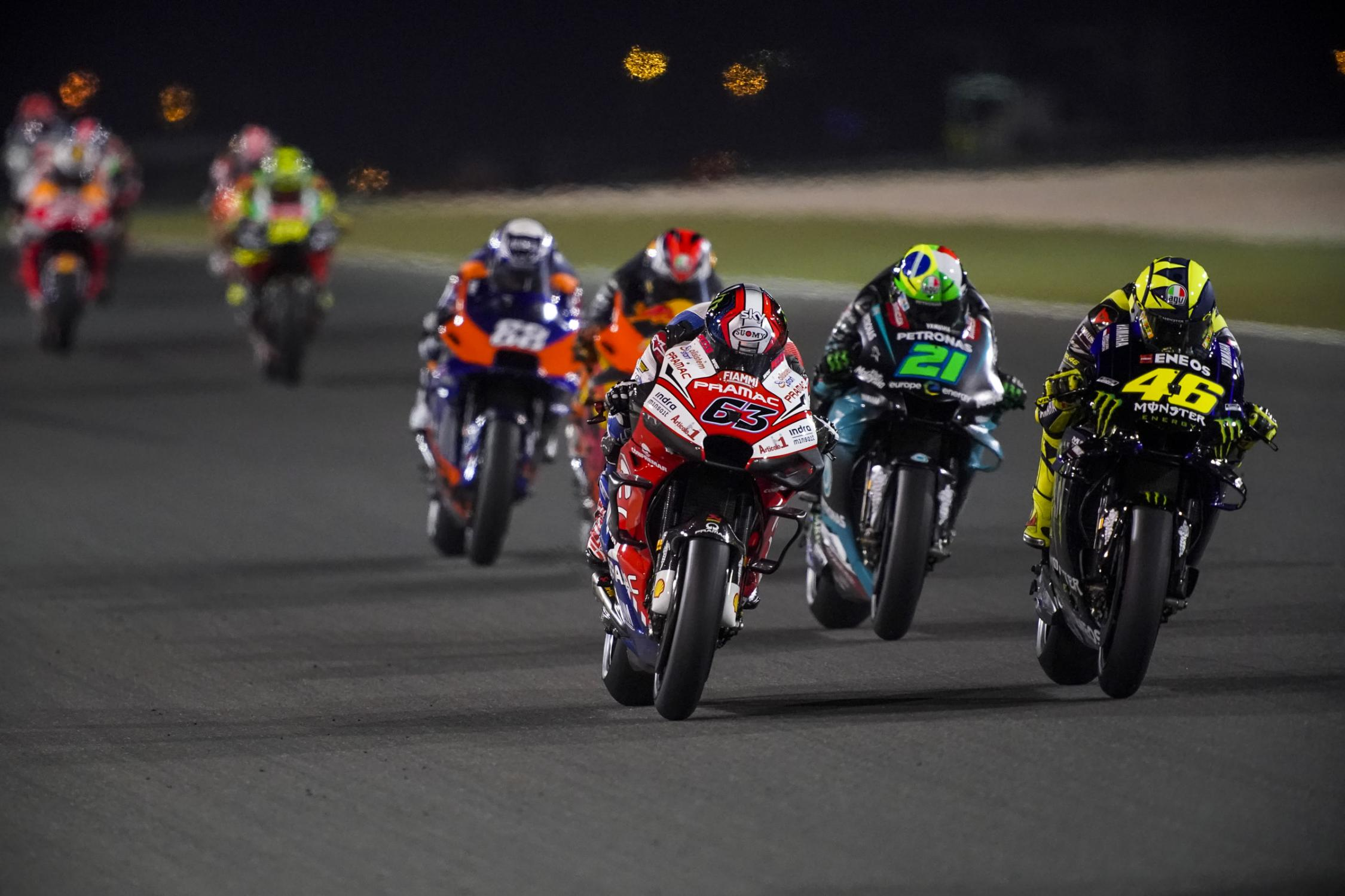 MOTO GP- Grand Prix du Qatar – Losail-10 mars 2019 - Page 3 Bagnaia-rossi-qatar-motogp-2019-peloton