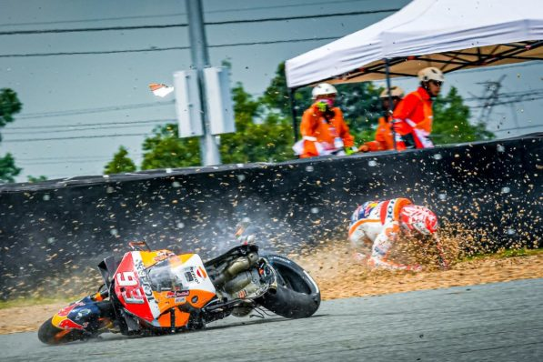 MOTO GP : GRAND PRIX DE THAÏLANDE DU 4 AU 6 OCTOBRE 2019 Marc-marquez-thailande-crash-motogp-fp1-2019-6-597x398